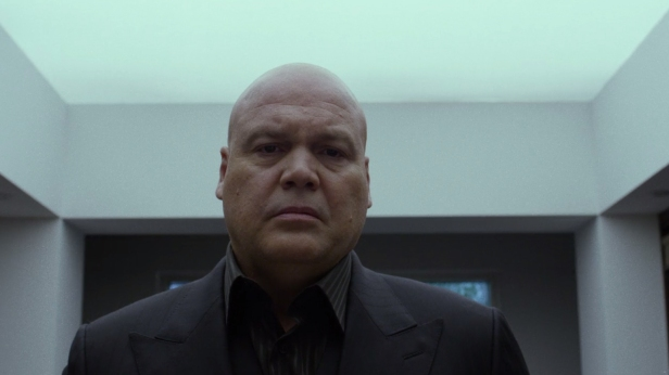 Wilson-Fisk-Penthouse-Mirror-Black-Suit